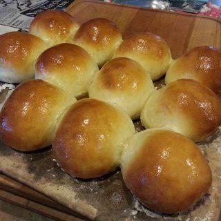 Sweet Dinner Rolls (aka crack rolls)